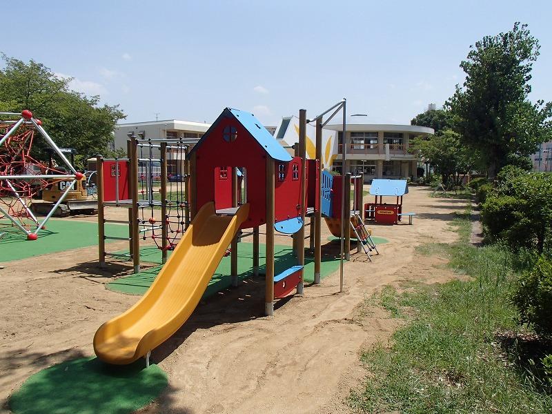加茂幼稚園遊具改修工事